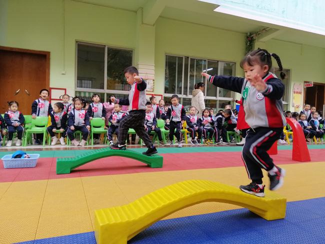 """市幼儿园:""""我运动、我健康、我快乐"""""""